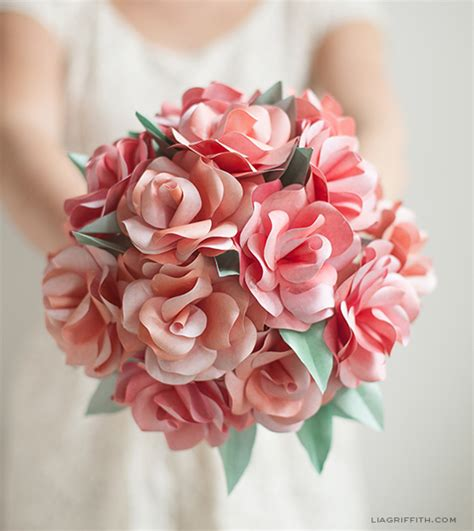 How To Make Paper Flower Bouquets For Weddings - bugs and fishes by lupin 14 awesome free paper flower