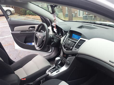 2014 Chevy Cruze Ls Interior by 2014 Chevrolet Cruze Pictures Cargurus