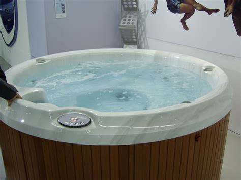 jacuzzi bathtubs canada hot tubs in canada taking it easy in a two person hot tub