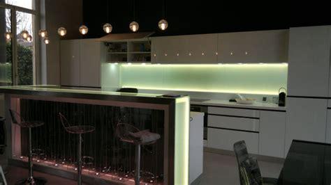 eclairage plan de travail cuisine eclairage cuisine sous meuble eclairage cuisine sous