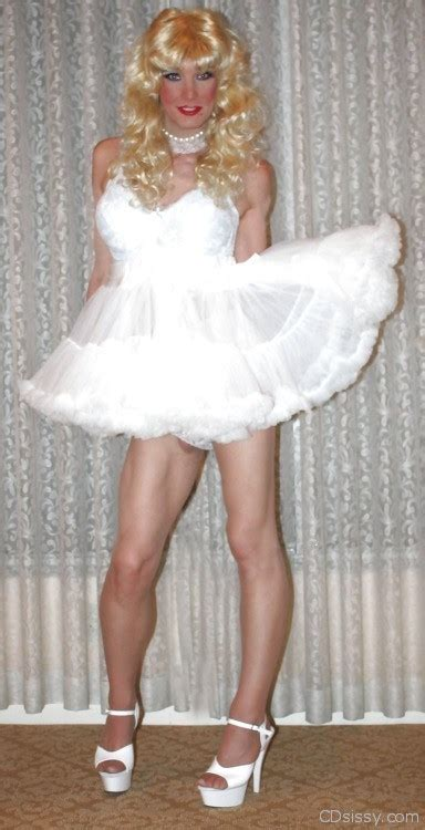 sissy boys lady like and the nice on pinterest 45 photos of hot crossdressers cdsissy com