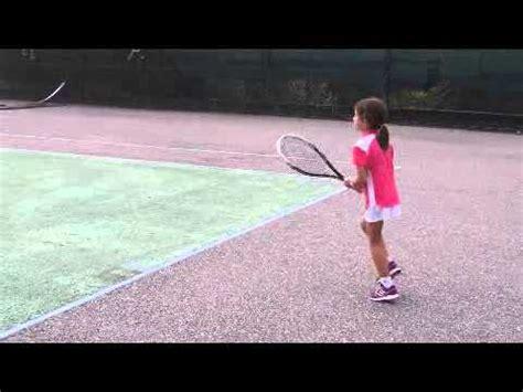imagenes niños jugando tenis ni 241 a jugando tenis youtube