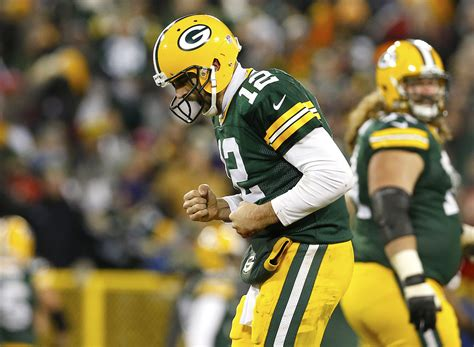 aaron rodgers of green bay packers defends leadership style top 25 ranked fantasy players for week 14 nfl com