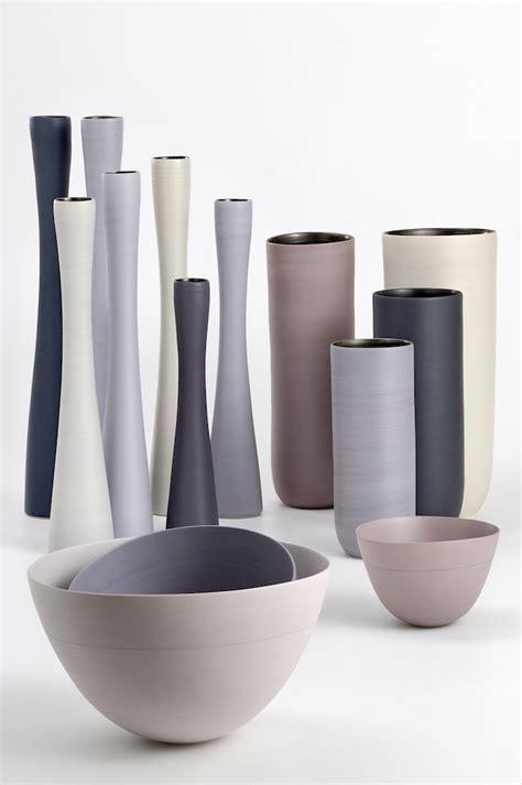 vasi ceramica i vasi in ceramica di design dalle forme morbide e