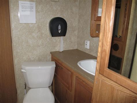 travel trailer with large bathroom travel trailers smokey hollow cground