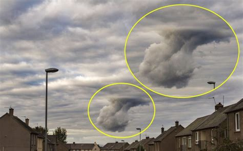 hand of god cloud dad snaps moment hand of god shaped cloud appears over