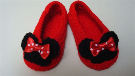 minnie mouse slippers minnie mouse inspired crochet slippers infant to size 12