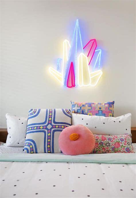 decorar mi cuarto con luces 20 ideas para decorar tu cuarto con luces de ne 243 n