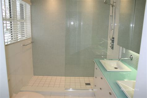 Small Bathroom Ideas With Walk In Shower Walk In C 233 Ramiques Hugo Sanchez Inc
