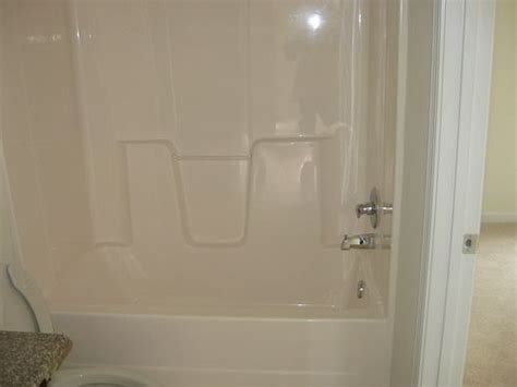 change color of bathtub how to change the color of a fiberglass tub shower
