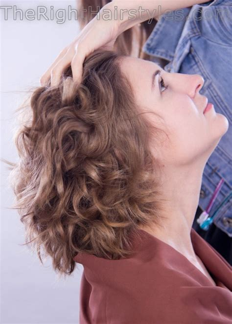 messy bun procedure how to messy broken curls