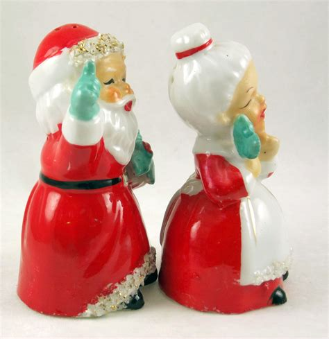 vintage porcelain santa mrs claus salt pepper shaker set
