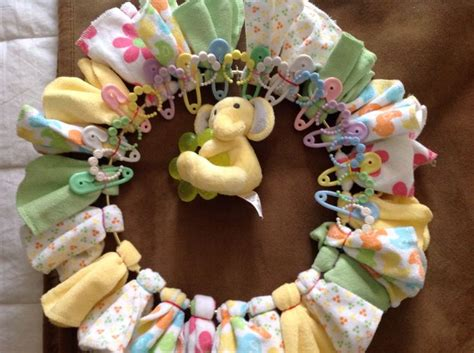 Washcloth Crafts Baby Shower by 1000 Ideas About Baby Washcloth On