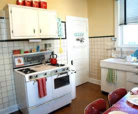 Decorating Ideas For Bathrooms On A Budget mixing old amp older kristen and paul create an artsy