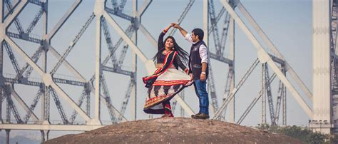 Wedding Album Designing In Kolkata by Creative Wedding Photography And Cinematic Videography