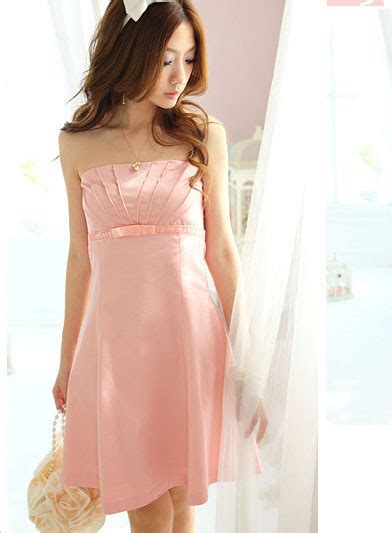 Preloved Dress Pendek memukau dengan gaun sesuai bentuk badan mudahmenikah