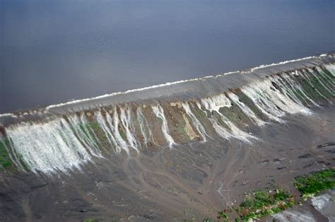 what does water file water overtops a levee in atchison county missouri jpg wikimedia commons