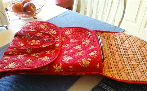 free pattern quilted casserole carrier quilted casserole carrier sewing projects burdastyle com