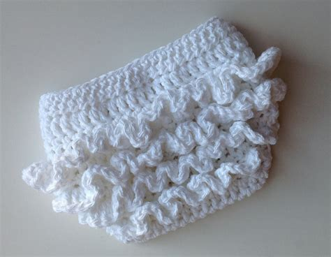 free pattern diaper cover crochet pattern for ruffle bum baby diaper cover 3 sizes
