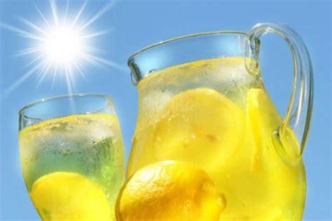 limonata fatta in casa come si prepara la limonata