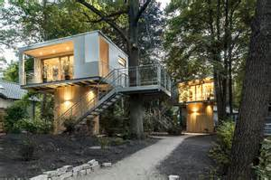 modern tree house design baumraum the modern tree house maverick cult