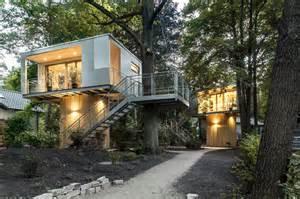 modern tree house baumraum the modern tree house maverick cult