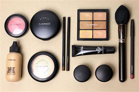 Makeup Kit Mac my must make up pieces majasdiary