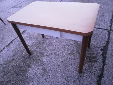 tavolo con cassetto tavolo cucina con cassetto utileusato