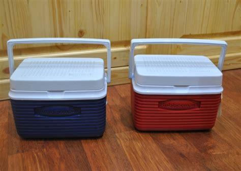 Freezer Box Paling Kecil rubbermaid cooler box 5 qt 4 7 l cocok untuk asi dan makanan