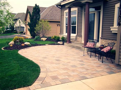 Front Yard Patio Design Landscaping Ideas On Pinterest Small Porches Front Yard Landscaping And Small Front Porches