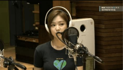 blackpink camera blackpink s jennie shares how g dragon helped her with on