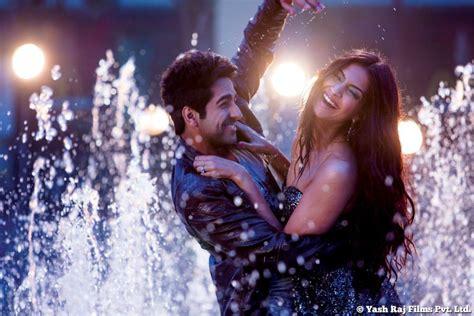 film romance tersedih 2014 bewakoofiyaan cute romantic stills xcitefun net