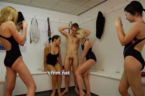 Cfnm Nude Swimming Hot Girls Wallpaper