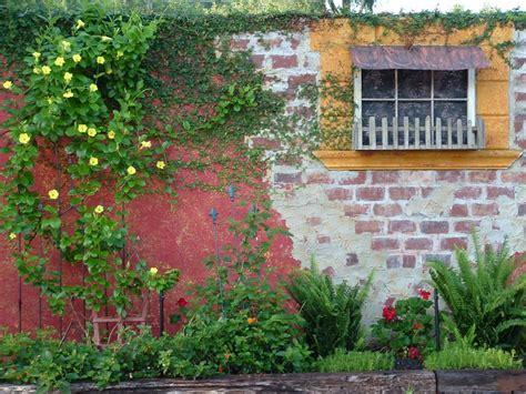 Amazing Outdoor Walls And Fences Outdoor Spaces Patio Garden Walls And Fences