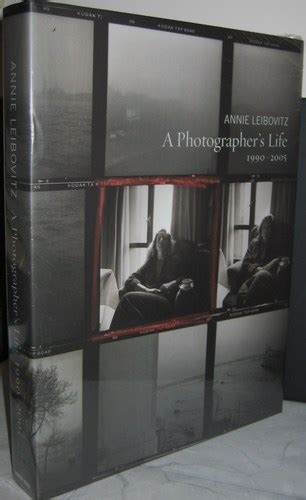 a photographers life 1990 2005 0375505091 a photographer s life 1990 2005 annie leibovitz 9780375505096 amazon com books