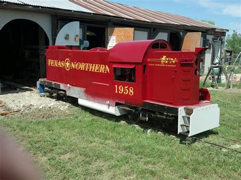 backyard trains building a backyard railroad the1railroader s weblog