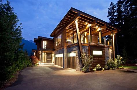 beautiful houses luxury property in ski resort whsitler