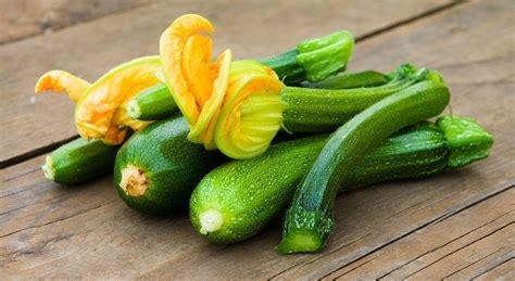cucinare le zucchine in padella come cucinare le zucchine in padella aia food