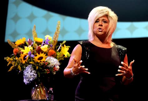 long island medium theresa nails long island medium delivers messages from beyond
