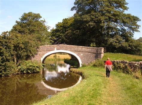 grange canal barnoldswick canal walk route