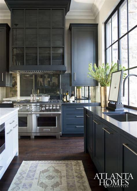 navy blue kitchen cabinets 1000 ideas about navy blue kitchens on pinterest blue