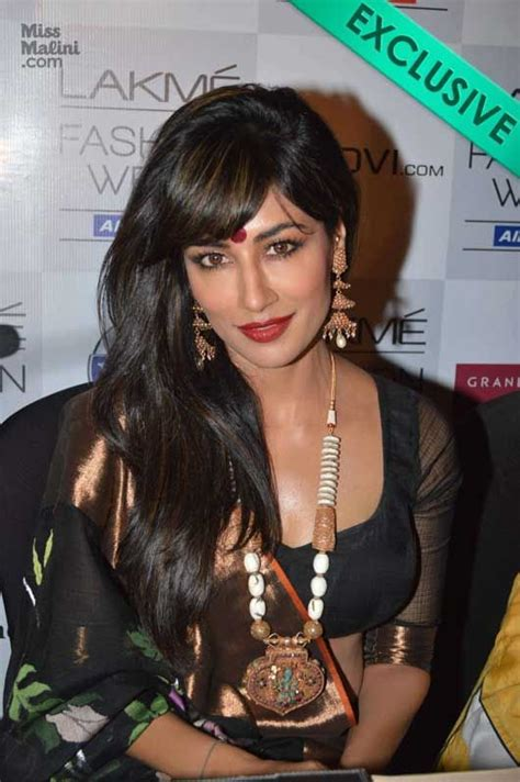 hollywood actress name starting with s bollywood actress deep cleavage show exposed list