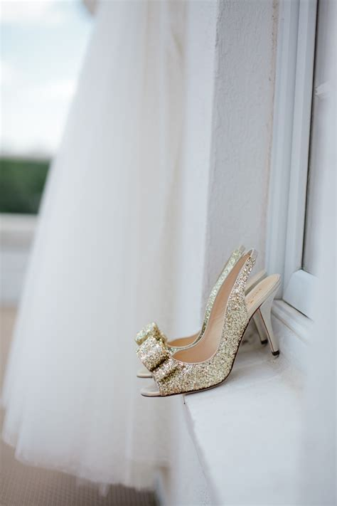 20 Drop Dead Gorgeous GOLD Wedding Shoes Ideas!