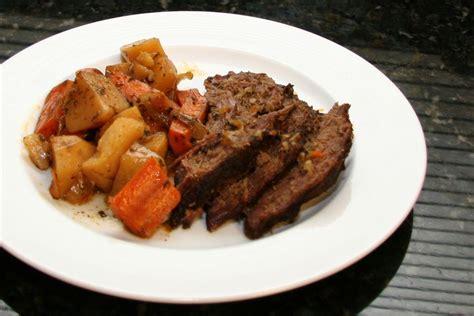 slow cooker tri tip roast with vegetables