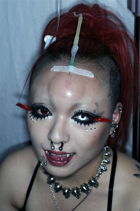bagel the trend in modification tattoos and piercing world s craziest