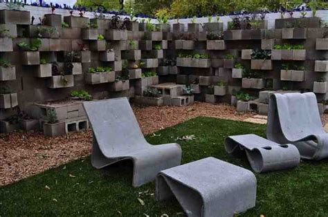 Diy Cinder Block Planters Do It Yourself Fun Ideas Garden Block Wall Ideas