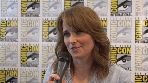 lucy lawless how old is she comic con shemazing