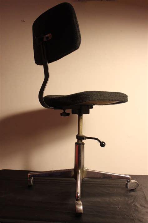 chaise bureau vintage chaise de bureau vintage vintage by fabichka