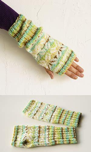 pierrot yarn pattern club ravelry 677aw chameleon camera stranded armwarmers