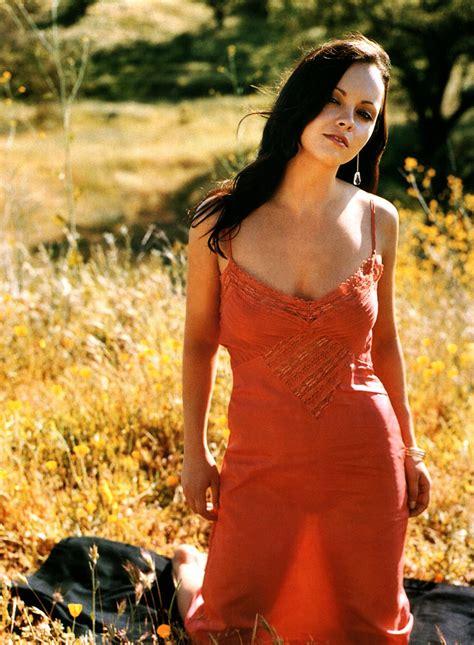 actress christina ricci wiki biography age hot bikini